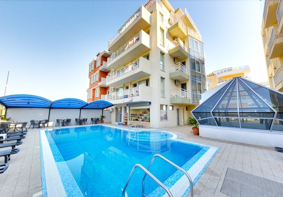 2d944082d73 Нощувка за двама, трима или четирима + басейн в къща за гости АСК, Приморско